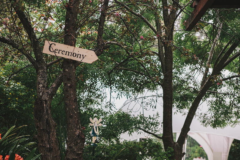Perth wedding, ceremony sign in trees